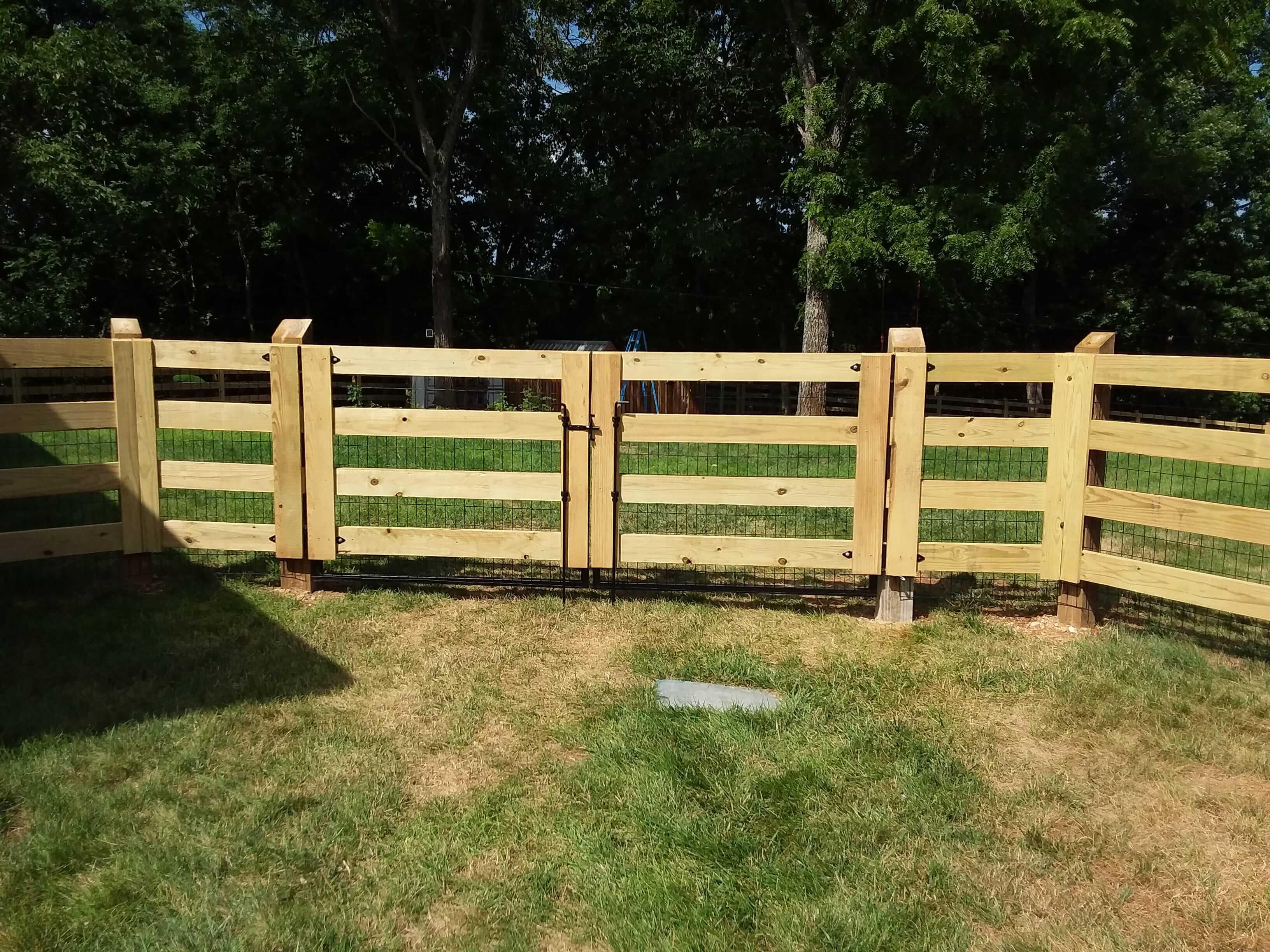 Wood fence (2)-min